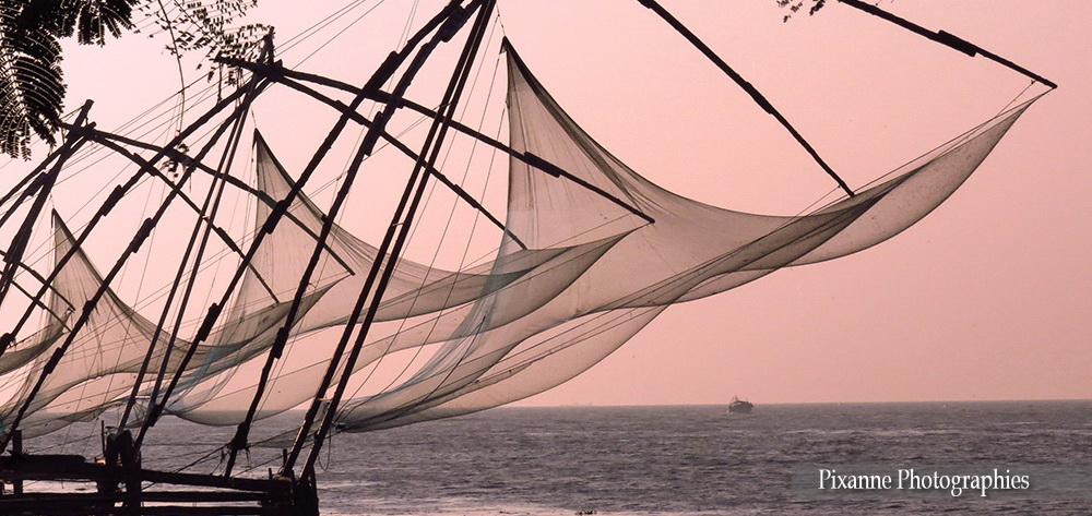 Asie, Inde du Sud, Kerala, Fort Kochi, Cochin, Filets de pêche Chinois, Carrelet, Souvenirs de Voyages, Pixanne Photographies