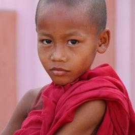Myanmar J05 . Kyaikhtiyo (Rocher d'Or) . Bago . Yangon