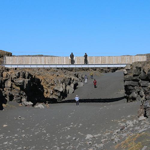 Europe, Islande, Péninsule de Reykjanes, Miðlína bridge, Souvenirs de Voyages, Pixanne Photographies
